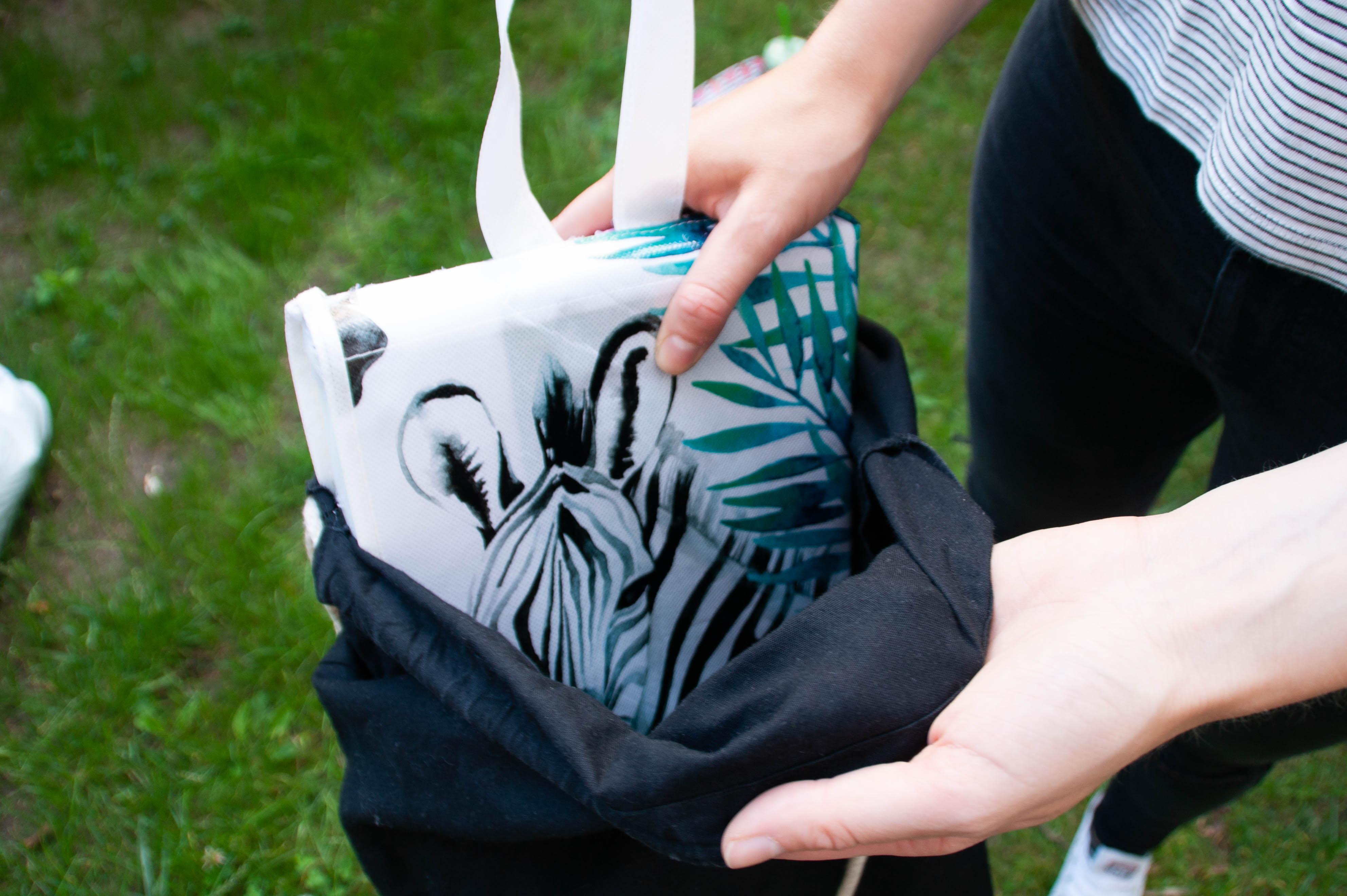 Passt in jede Jute: DIY Sitzkissen für unterwegs - wasser- und schmutzfest selbermachen - www.chaosmitstil.de